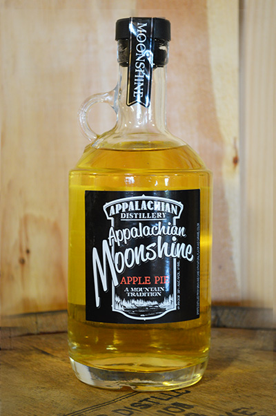 //appalachian-moonshine.com/wp-content/uploads/2017/01/moonshine-apple-pie.jpg
