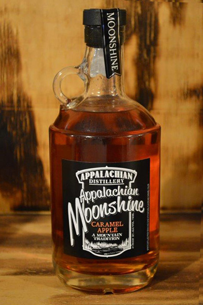 //appalachian-moonshine.com/wp-content/uploads/2017/01/moonshine-caramel-apple.jpg